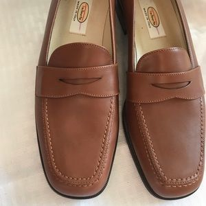 Talbots Brown Leather Penny Loafers 7.5 Narrow